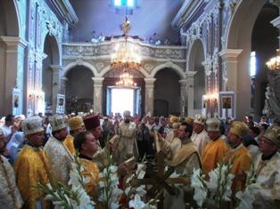P8010153 Вступ на кафедру митрополита Димитрія