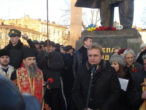 DSC06320 e1325446550960 У Львові відзначили 103 тю річницю від дня народження Степана Бандери